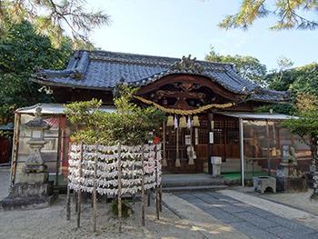 三蔵稲荷-本殿1.jpg